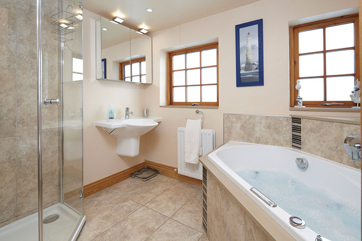 Luxury Bathroom with Whirlpool Bath & Spacious Shower